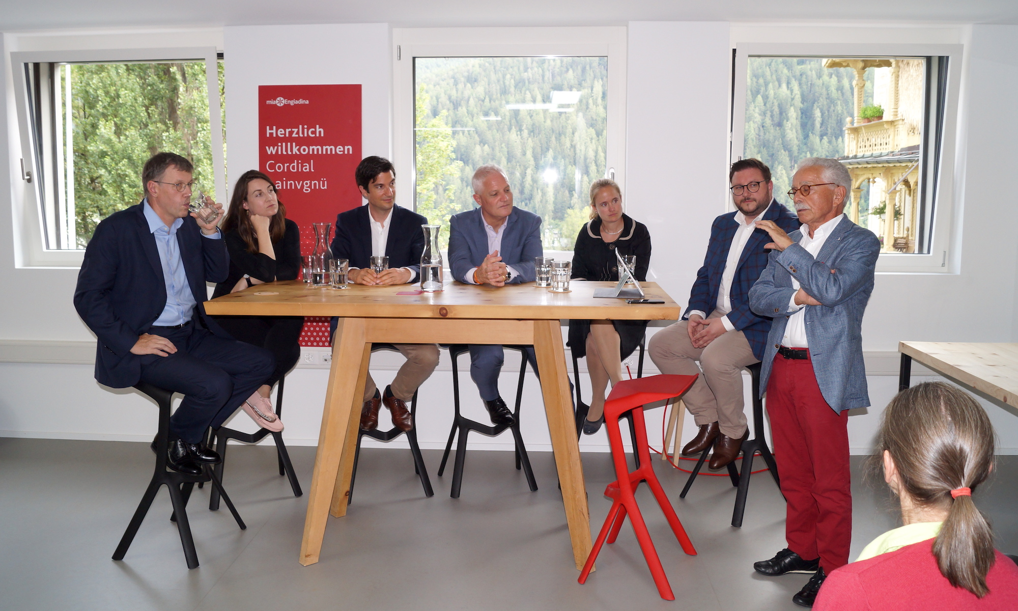 DiplomatInnen im Mountain Hub Scuol